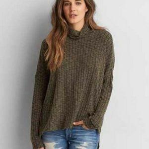 American Eagle Green Striped Turtleneck Sweater M